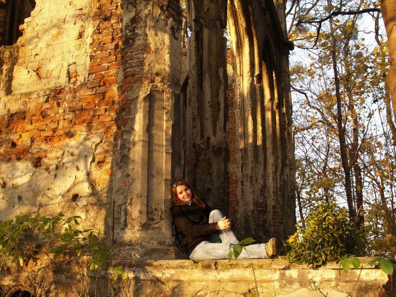W ruinach Sławikowa